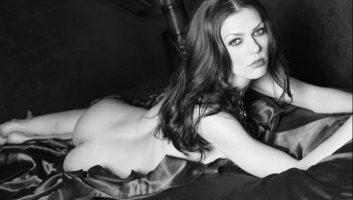 Эдрианн Карри — победительница Топ-модель по-американски (1 сезон)