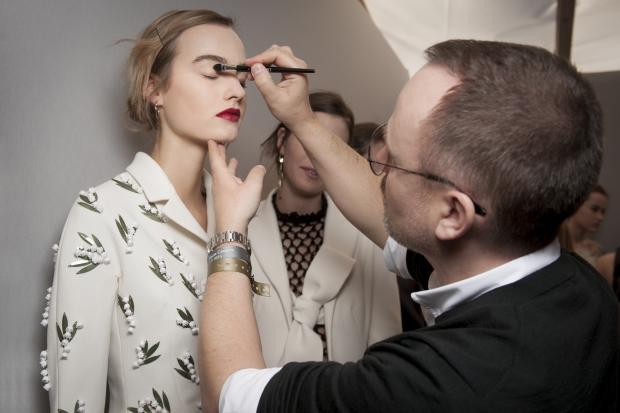 makiyazh-s-pokaza-dior-couture-vesna-leto-2016-6
