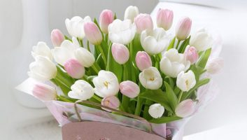 Какие цветы лучше дарить на День рождения?